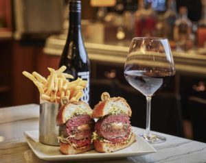burger & Beaujolais web photo